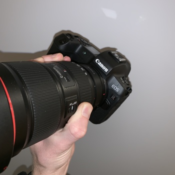 Rent Canon EOS R + EF adapter + Batteries (100% silent shooting)