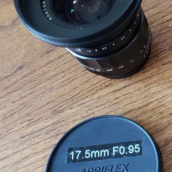 Rent Voigtlander Nokton F.095 17.5mm MFT Prime