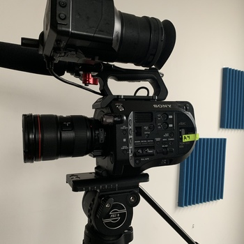 Rent Sony FS7 Kit (Tripod, 24-70, EF and PL Metabones adapters)