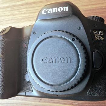 Rent Canon EOS 5DS 50.6MP dSLR Camera Body