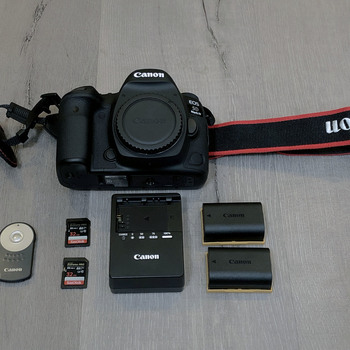 Rent Canon EOS 5D Mark IV — CANON LOG, 2x Batteries, and more!