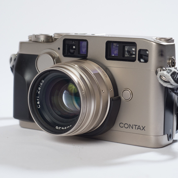 Rent Contax G2 35mm Camera - 2 Lens Kit
