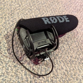 Rent Rode VideoMicPro Compact Directional On-Camera Microphone with Rycote Lyre Shockmount