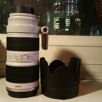 Rent Canon 70-200 mm / Small HD AC7 Monitor kit