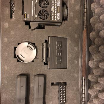 Rent EPIC W Helium 8K S35 - RUN & GUN KIT (No Media)