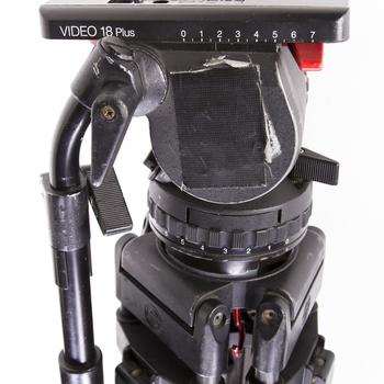 Rent Sachtler Video 18 Fluid head and Carbon Fiber Sticks