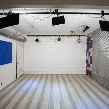 Rent Creative shooting space / Photo Shoot Studio in Hollywood