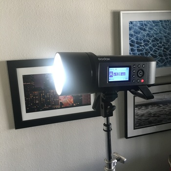 Rent Outdoor off camera flash