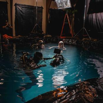 Rent Underwater Housing (Alexa, RED, Sony, Panasonic...)