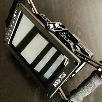 """Rent Small HD 7"""" 702 OLED / V-Mount Batteries Directors Cage"""