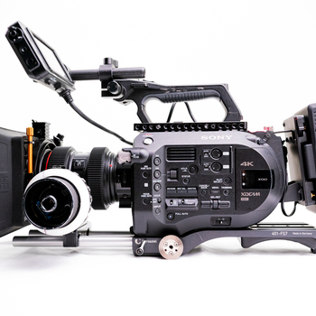 Rent Sony FS7 Kit / Lens Mount / 15mm Rods/ VCT / Gold Mount Batteries