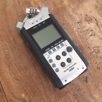 Rent Zoom H4n Audio Recorder