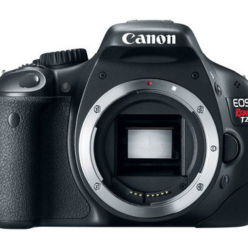 Rent Canon T2i w/ extra battery handle 3x batteries