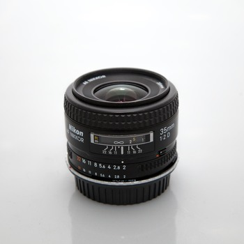 Rent Nikon AF Nikkor 35mm f2 D