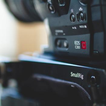 Rent Canon C300 Doc/Shoulder Rig Package