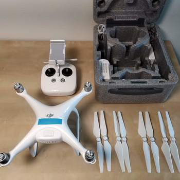 Rent DJI Phantom 4 Standard (12mp, 4K Camera Drone)