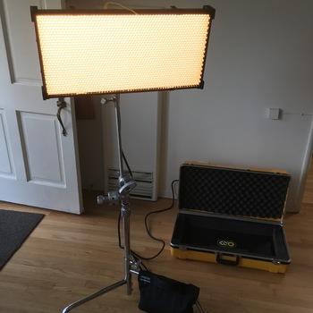Rent Kino Flo Diva Lite21 Full Color LED panel + C-Stand