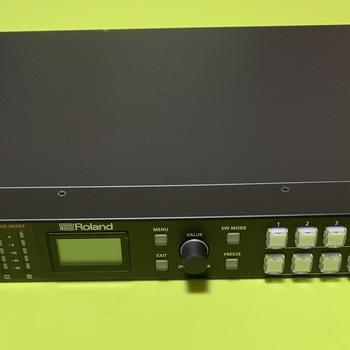 Rent Roland  XS-62S  3G SDI production video switcher/mixer #2