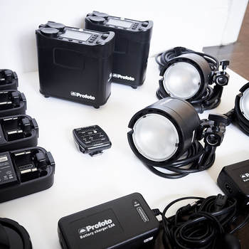 Rent Ultimate Profoto B2 Location kit - 4 batteries, 3 heads, 2 packs, Air Remote, head extension cable