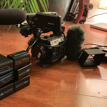 Rent FS5 with Raw upgrade, Metabones EF/EF-S to E Mount, Sennheiser MKE 600 Short Shotgun, 6 batteries and extras