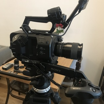 Rent Sony FS7 Camera Package w/ 24-70mm Zeiss and more! (ONLY 207 Camera HOURS!)