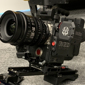 Rent Ready to shoot - RED Helium 8K S35 with Sigma EF Cine Zooms, RED MAGS, VMount Batteries, Shoulder Rig