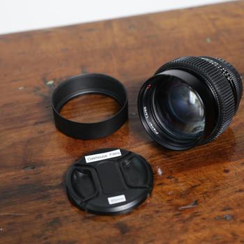 Rent Zeiss Contax 85mm f/1.4 + Leitax EF Mount + Focus Gear