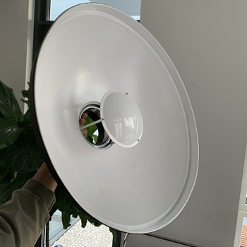 "Rent Profoto White Softlight Beauty Dish Reflector (20.5"")"