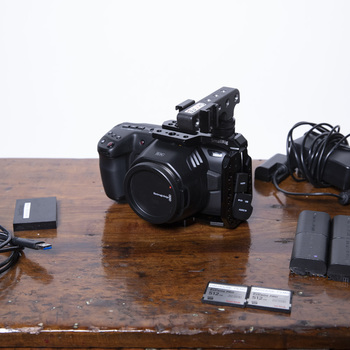 Rent Blackmagic Pocket 6K + (2X) 512GB CFast Cards + Cage + Handle + Batteries