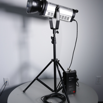 Rent Genaray Powerhouse Daylight LED Monolight