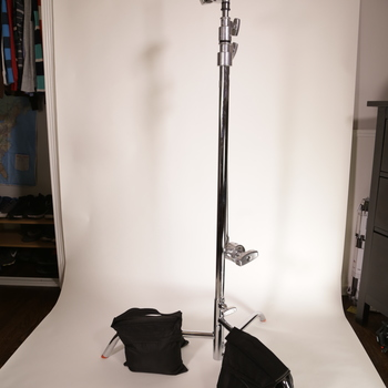 """Rent C-Stand with 40"""" Arm & Grip Head & 3 Sand Bags"""