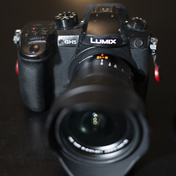 Rent Lumix GH 5 with native lenses