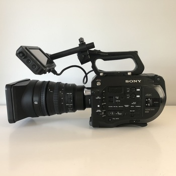 Rent Sony A7S + Sony FE 28-135mm lens