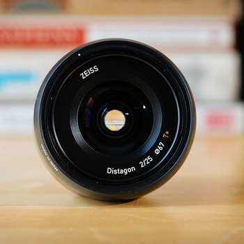 Rent Zeiss Batis 25mm 2.0 Sony E mount