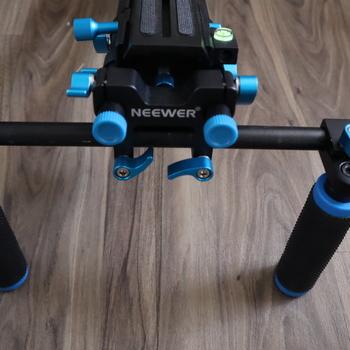 Rent Neewer Shoulder Mount Rig for Steady Handheld Shots