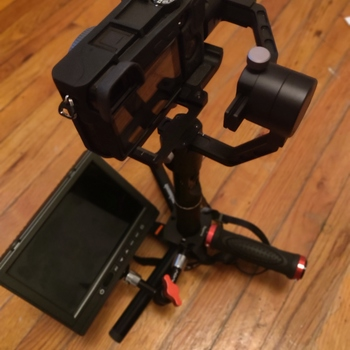 Rent Sony A6300 Rig (Gimbal + Monitor)