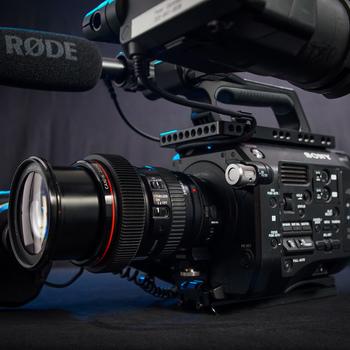 Rent Sony PXW-FS7 Camera & Lens Kit: READY TO SHOOT! - (Zoom Lens, Speedbooster, Shotgun Mic, AKS)