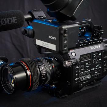 Rent Sony PXW-FS7 Camera & 3-Lens Kit: (11-16mm f/2.8, 24-70mm f/2.8L, 70-200mm f2.8L IS)