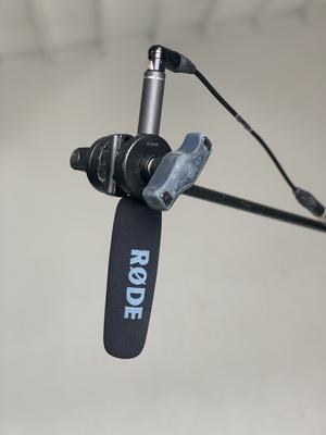 R%c3%98de ntg2 shotgun microphone   on c stand