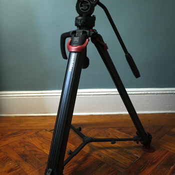 Rent Sachtler Flowtech 75 tripod w/ DV4 II Fluid head - carry bag included