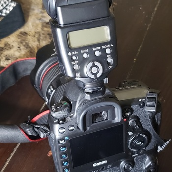 Rent Canon 5D Mark IV kit w/ everything to film/shoot