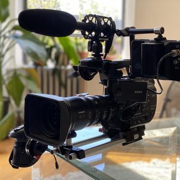 Rent Sony FS5M2 full kit + Fujinon MK 18-55 or 50-135 lens