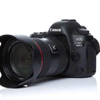 Rent New Condition Canon 5D MIV + Canon EF 24-70mm f/2.8L II USM Zoom Lens + 50mm 1.8 Lens (delivery available at additional cost)