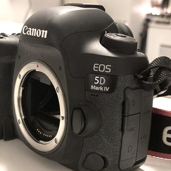 Rent Canon EOS 5D Mark IV