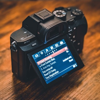 Rent Sony A7S II with 4 extra batteries, 28-75 lens and backpack