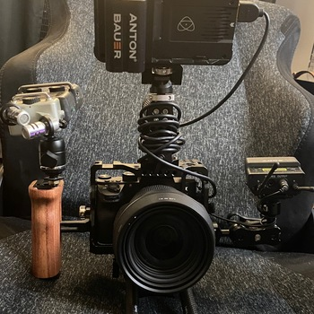 Rent Sony A7iii Mirrorless Camera + Sigma Lens 24 -70mm + Atomos Ninja v + Sirui SH Tripod + H5 zoom + with additional battery for the Camera and Atomos Ninja. comes with RIG setup!
