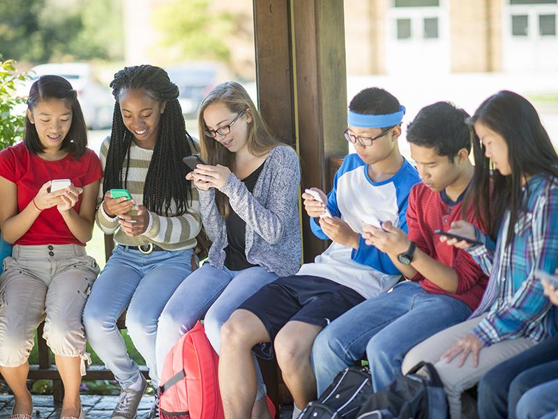 Ep. 52 - Teens Online