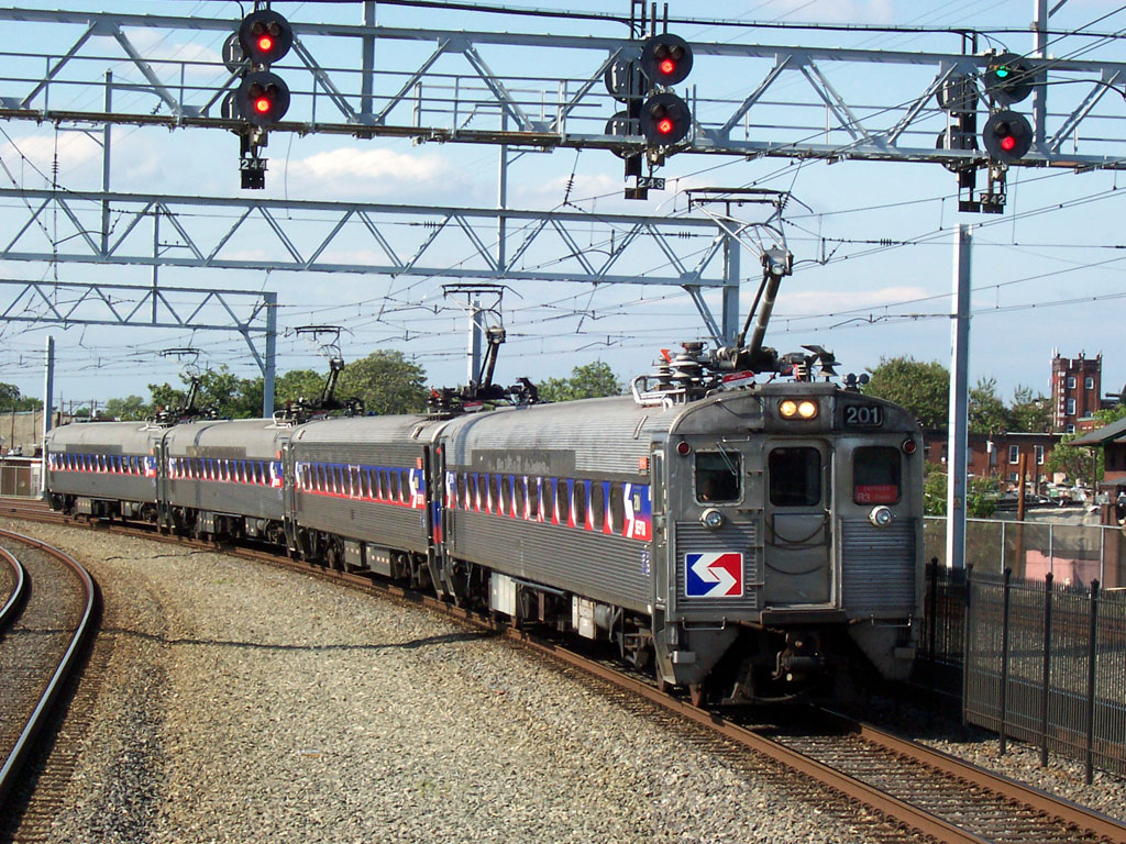 SEPTA rail car issue impacts Temple University commuter students and faculty.