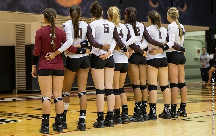 Temple Owls volleyball team.