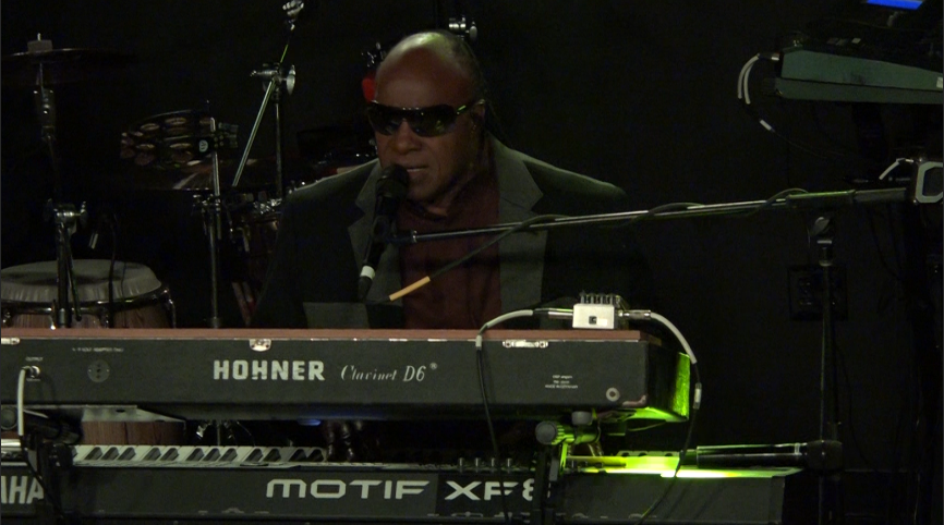 Stevie Wonder Performs in Center City for Hillary Clinton's Campaign